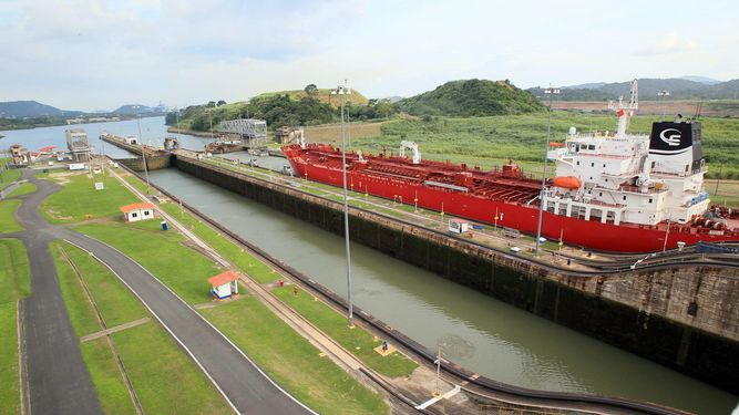 Panama Canal restriction eliminates draft of vessels